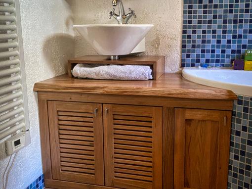 Salle de bain en orme